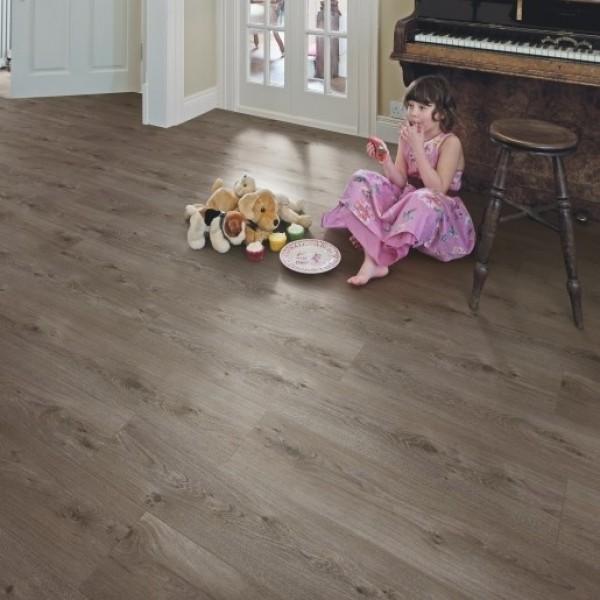 Elka Sienna Oak Laminate flooring (8mm Thickness)