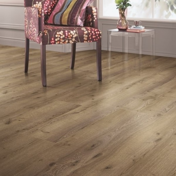 Elka Nutmeg Oak Laminate flooring (8mm Thickness)