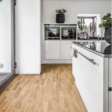 Kahrs Oak Dawn 3-Strip Ultra Matt Lacquered Brushed Engineered Wood Flooring