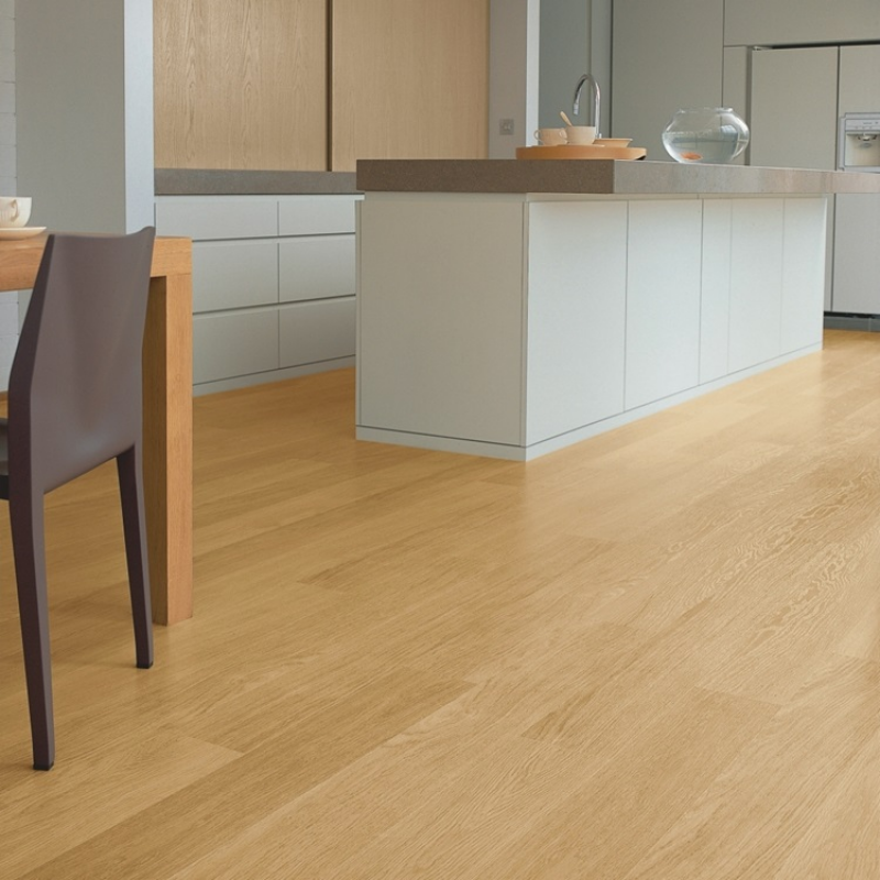 Quick-Step Eligna Hydroseal Varnished Oak Natural Laminate