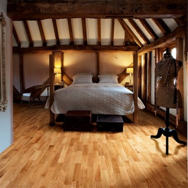 Kahrs Oak Siena 3-Strip Satin Lacquered Engineered Wood Flooring